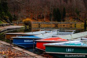 Barche a noleggio sul lago di inferiore di Fusine