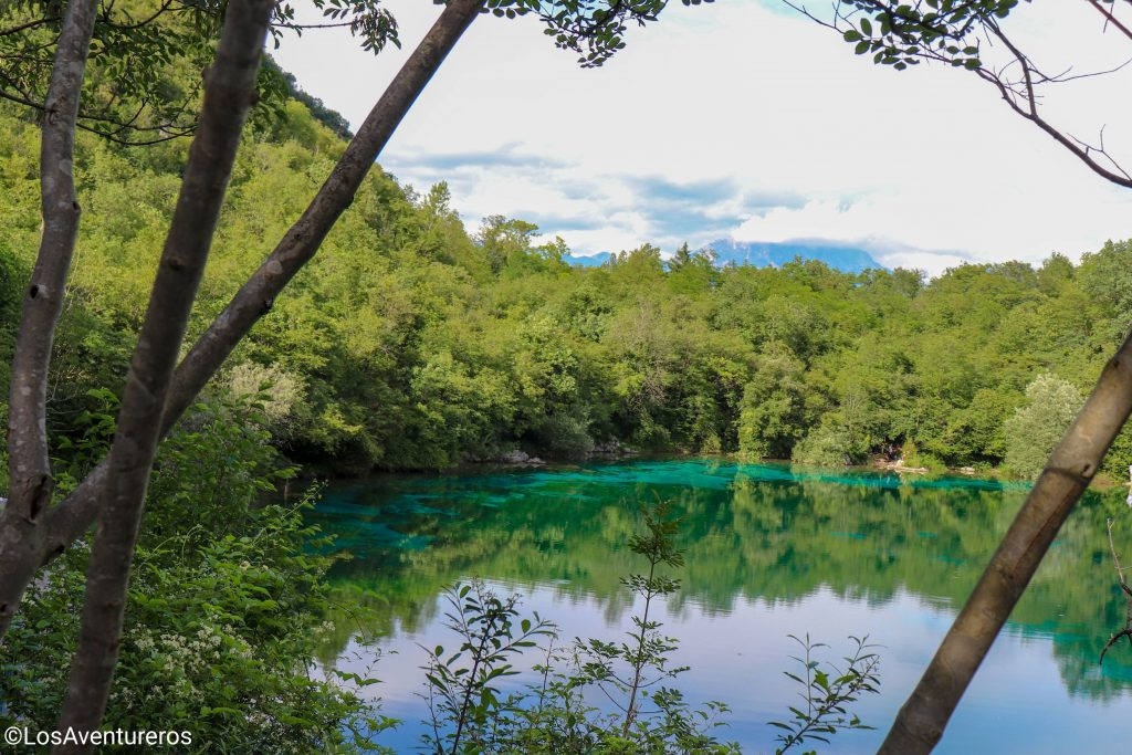 Le acque del lago di Cornino.